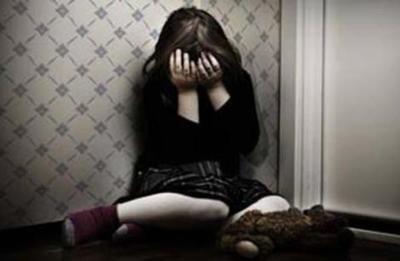 Piden prisión para exhibicionista que abusó de su hijastra y amiga de 9 años