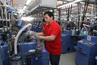 Indicadores de empleo se mantienen a pesar de la desaceleración, dicen