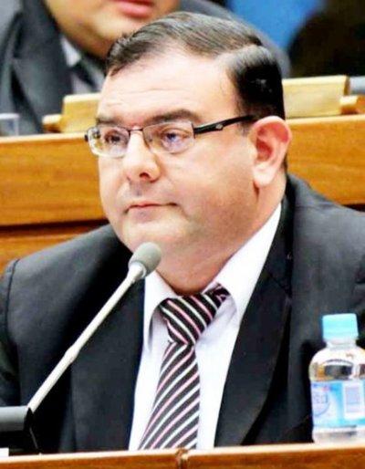 Corte confirma a fiscal en caso del diputado Rivas