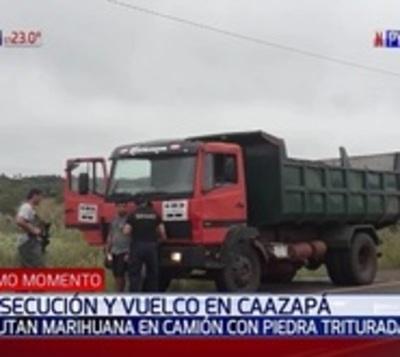 Detienen a policía que transportaba marihuana oculta en un camión