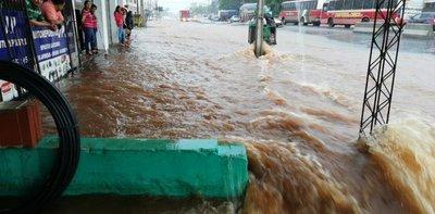 Zona del fallido Metrobús se convirtió en río – Prensa 5