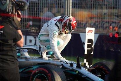 Hamilton, pole en Australia