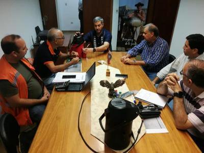 Mandatario visitó la SEN para interiorizarse de asistencia a familias afectadas por últimas lluvias