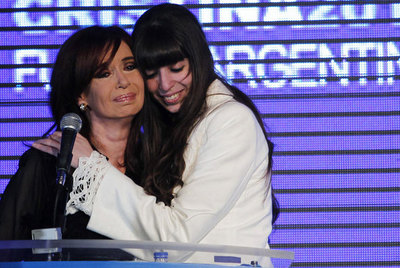 Métanse conmigo pero no con mi hija, pidió CFK