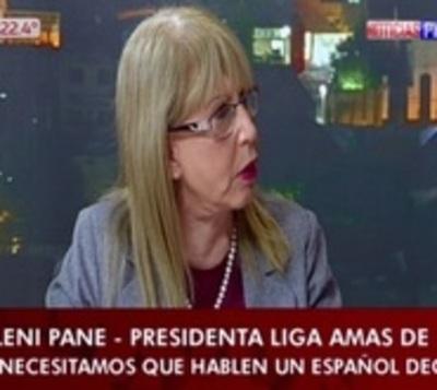 """Presidenta de amas de casa pide a empleadas """"un español decente"""""""