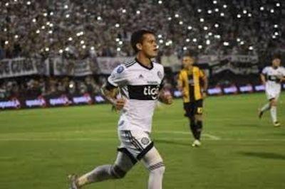 Olimpia golea a Guaraní y estusiasma