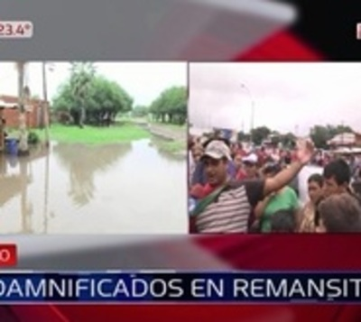 Reclaman asistencia luego de que un barrio quedara inundado