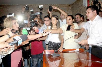 Perla de Cabral presenta rendición de cuentas ante la Junta Municipal