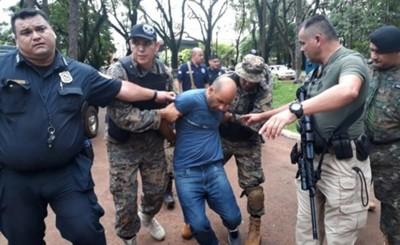 Brasileño escapó de la cárcel e intentó refugiarse en un colegio