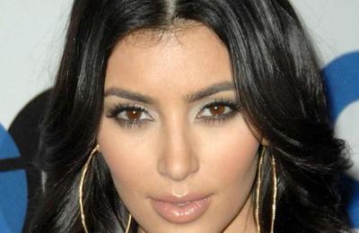 Kim Kardashian sin maquillaje: dejó al descubierto las marcas en su piel por la enfermedad incurable que padece