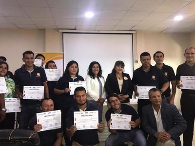 Senatur y SNPP certifican a 16 nuevos informadores turísticos