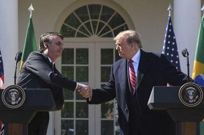 Bolsonaro enciende de nuevo Twitter con su visita a Estados Unidos