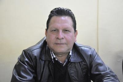 """Concejal Brizuela prohíbe tomar fotografías en sesión de la Junta y es acusado de """"dictador"""""""