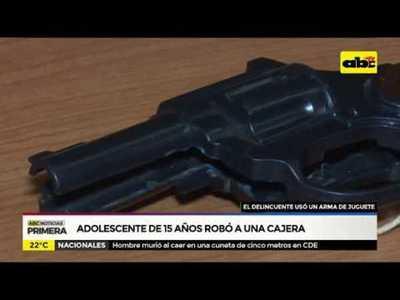 Adolescente de 15 años robó a cajera