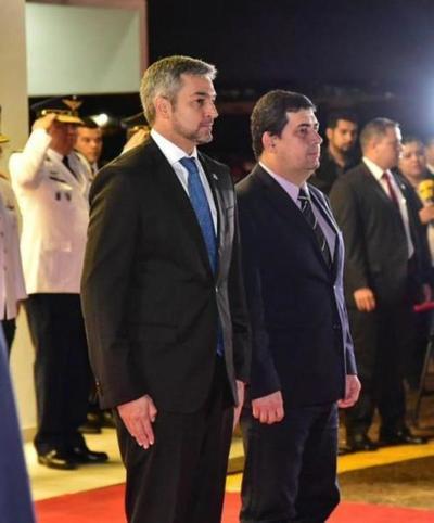 Jefe de Estado partió a la Argentina para Conferencia de Alto Nivel de la ONU