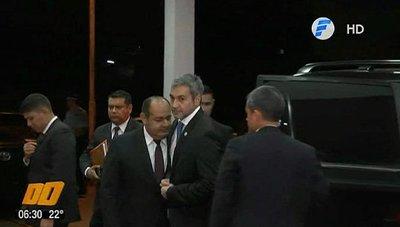 Mario Abdo viaja a la Argentina para conferencia de la ONU y hablar sobre el Mundial – Prensa 5