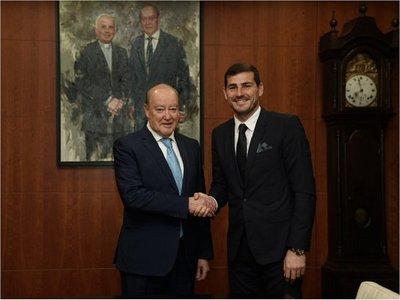 Porto anuncia oficialmente la renovación de Iker Casillas