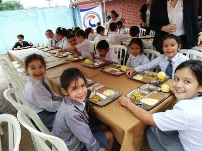 Gobernación de Central reanuda entrega de almuerzo escolar