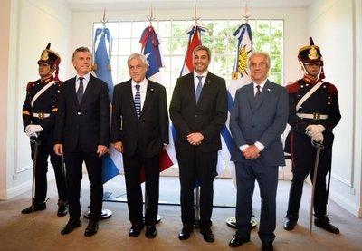 Mandatarios oficializan a Chile en candidatura conjunta para Mundial 2030