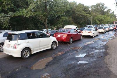 """Asunción, en """"Emergencia vial"""" debido a la cantidad de baches"""