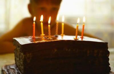 Niña invitó a sus compañeros de colegio a su fiesta de cumpleaños pero ninguno llegó