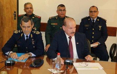 Gobierno defiende lista de militares cuestionados