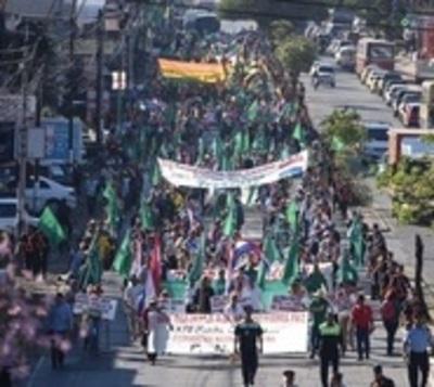 Marchan por 26º año pidiendo por la reforma agraria
