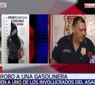 Cae uno de los presuntos autores de robo a gasolinera en Luque