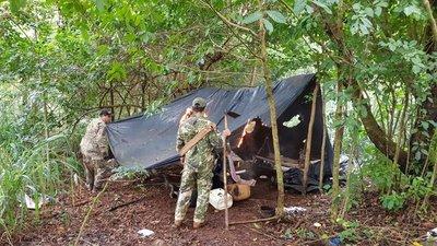 Destruyen 25 campamentos de narcotraficantes