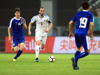 Godín batirá la marca internacional con Uruguay en la final de la China Cup