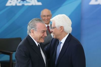 Expresidente Temer acusado de sobornos en la construcción de central nuclear