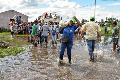 Más de 7.100 familias ya fueron asistidas en todo el país tras inundaciones