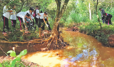 Más de mil voluntarios limpiaron el arroyo Ju'i Rupa de Hernandarias