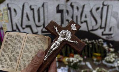 Foros de odio en internet ganan notoriedad tras matanza en una escuela de Brasil