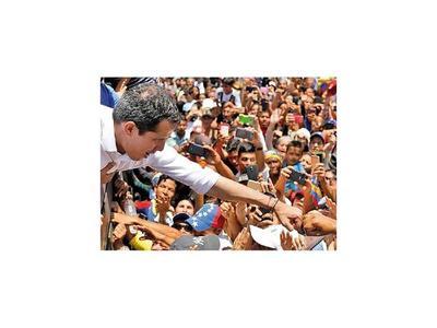 Guaidó,  dos meses  sin  quebrar apoyo militar a Maduro