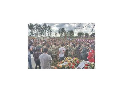Despiden con honores a militar ahogado en Azotey