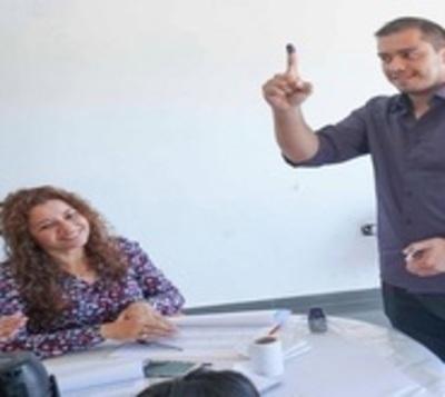 CDE: Oposición formaría alianza para elecciones de mayo