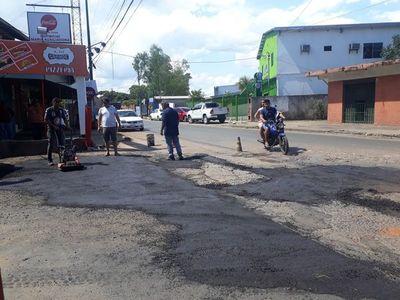 """Hasta tapar todos los baches"", dice intendente de San Lorenzo"