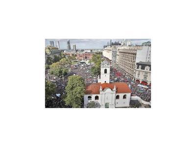 Marchan por los 43 años del golpe cívico-militar argentino