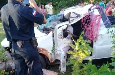 Miembros de una familia perecen en accidente