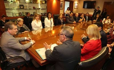 Ministro Eugenio Jiménez recibió a gremio de jueces
