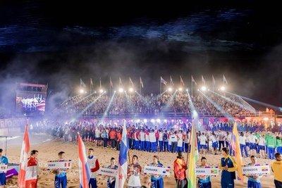 """Los atletas se despidieron de la """"Ciudad del Deporte"""""""