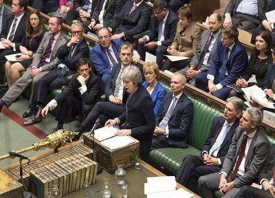 """May: """"no hay suficiente"""" apoyo parlamentario al acuerdo de Brexit"""