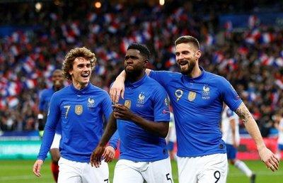 Francia se da otro festín ante Islandia