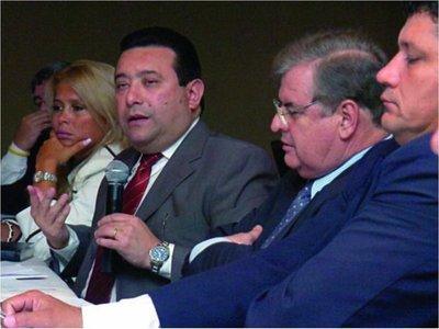 El presidente del Congreso  plantea evaluar conveniencia del Parlasur