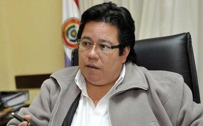 Senado inicia proceso de juicio político al contralor