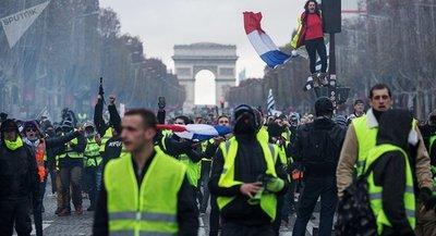 Protestas de 'chalecos amarillos' provocan daños por unos 200 millones de euros