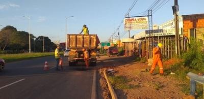 Tareas de mantenimiento de la ruta entre Remanso y Limpio