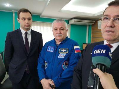 Cosmonauta ruso de larga trayectoria en Paraguay