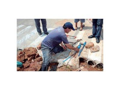 Clientes clandestinos y morosos sofocan a Essap